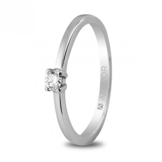 Anillo de platino con diamante 0.10ct (74B0004)