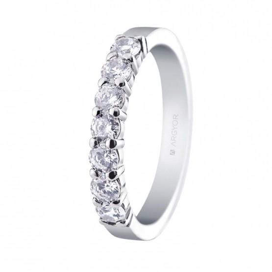 Anillo de compromiso de platino y diamantes (74B0059)