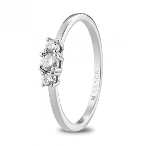 Anillo de platino con 3 diamantes (74B0083)