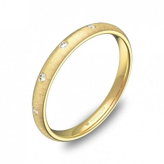 Alianza de media caña en oro amarillo rayado diamantes A0125T5BA