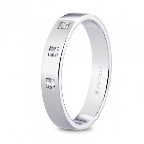 Alianza de platino plana y diamantes princesa 4mm (05930140P3)