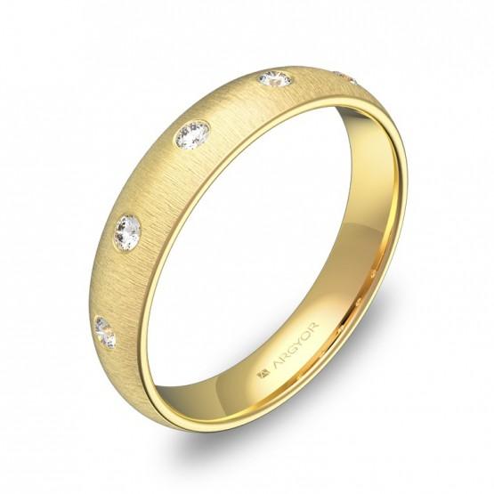 Alianza de media caña gruesa en oro amarillo con diamantes A0140T5BA
