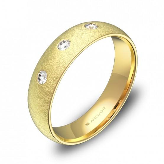 Alianza de boda 5,0mm en oro amarillo hielo con diamantes A0150H3BA
