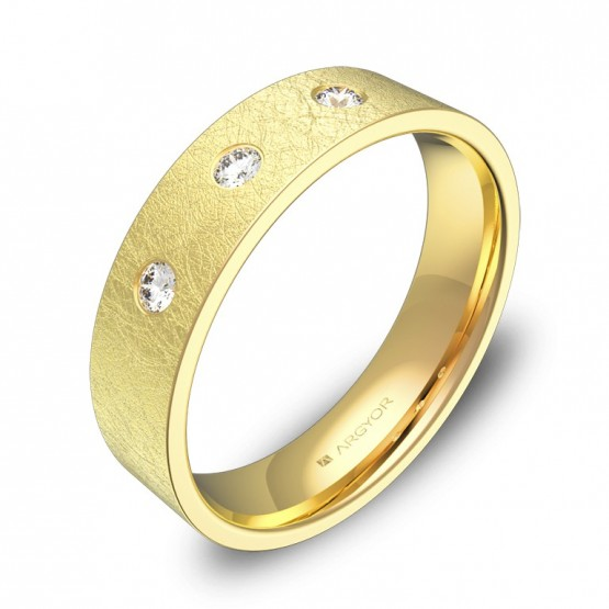 Alianza de boda plana gruesa 5,0mm en oro con diamantes B0150H3BA