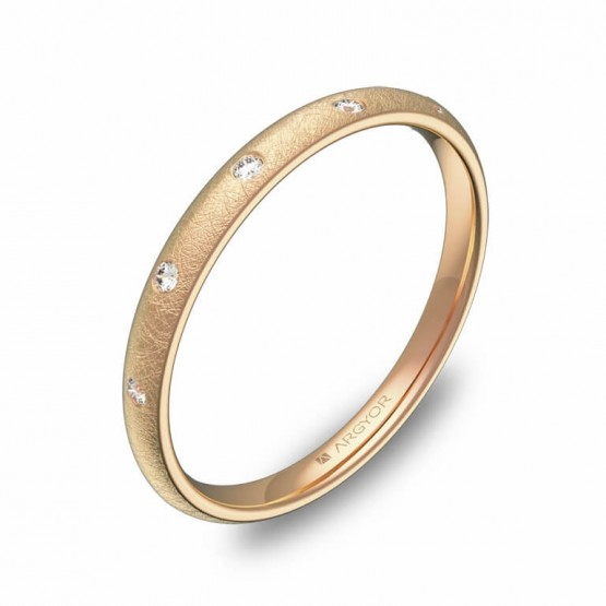 Alianza media caña gruesa en oro rosa hielo con diamantes A0120H5BR